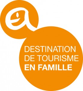 logo du label destination de tourisme en famille en catalogne
