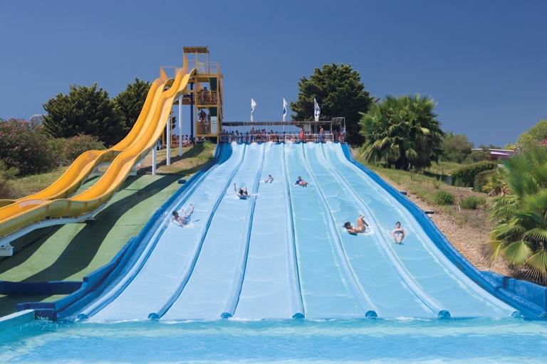 Vila seca pineda platja destinations de tourisme familial catalunya experience - Port aventura parc aquatique ...