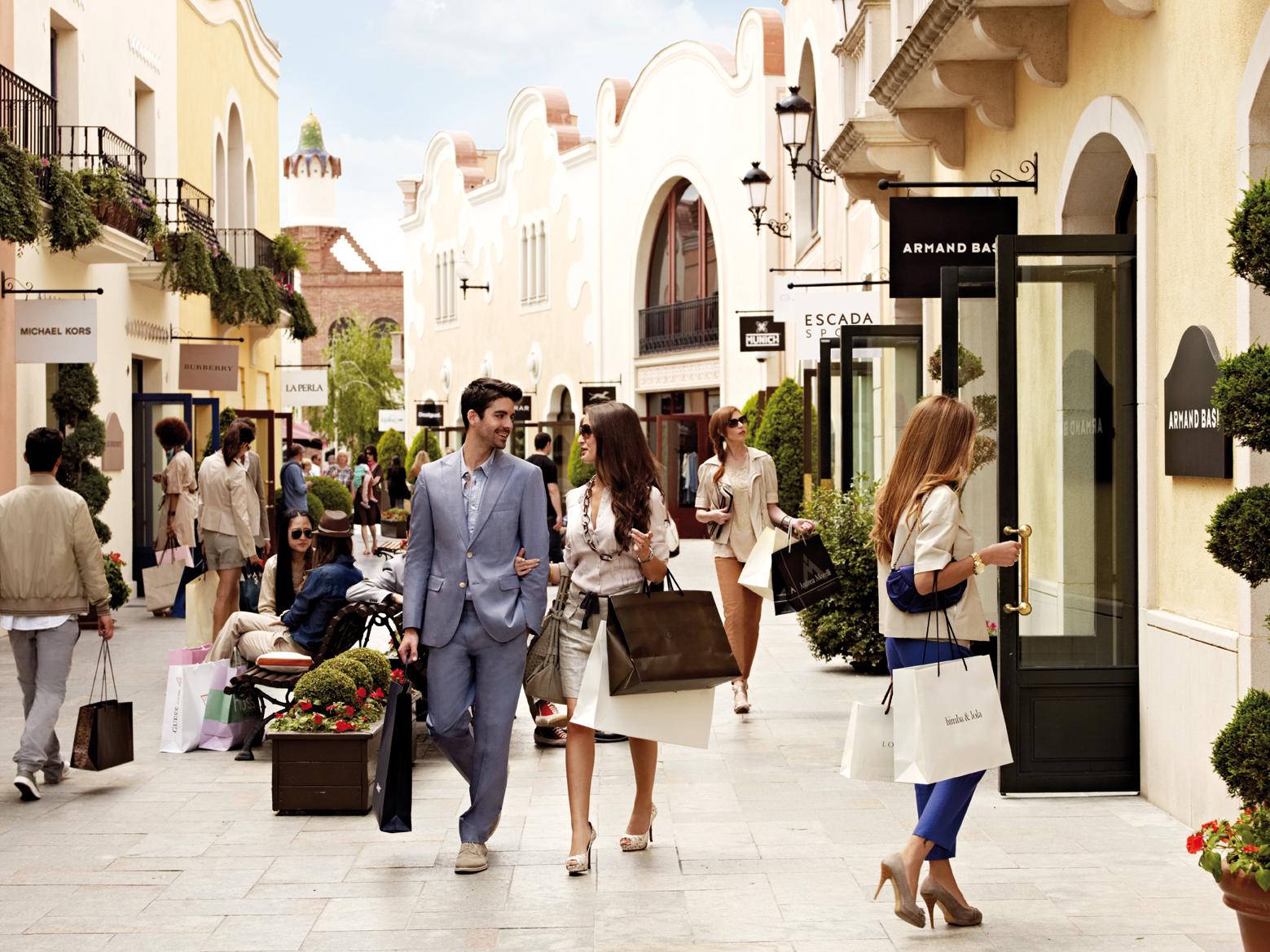 Bon plan shopping le bus shopping express pour la roca for Outlet la roca horario