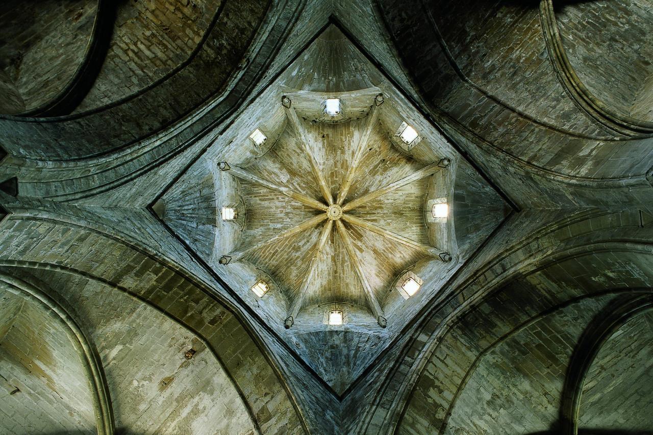 Cimbori octogonal de l'esgl+®sia del Reial Monestir de Santa Maria de Vallbona. Copyright Imagen M.A.S