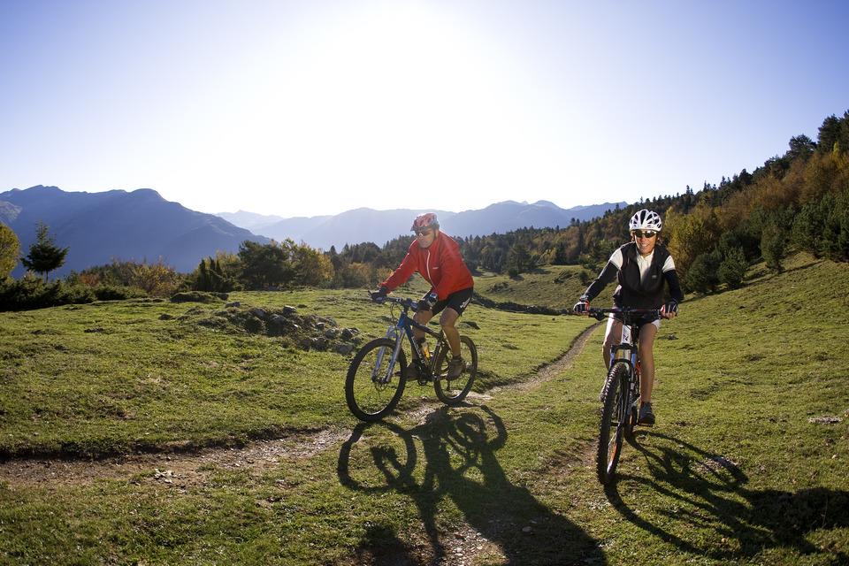 Deux Vttistes en balade sur les sentiers du Val d'Aran