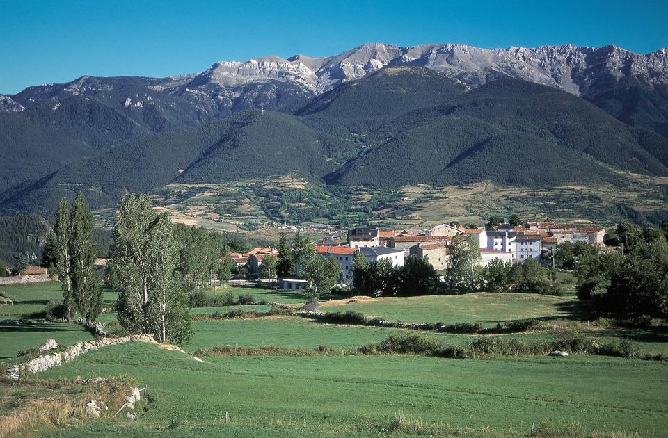 Vue sur la Serra del Cadí qui surplombe la vallée de Prullans.