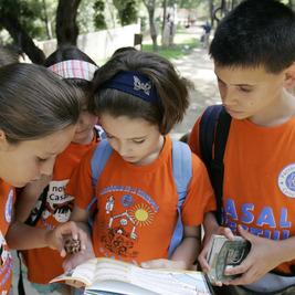 Parcours Enfants dans les Jardins-®Poble Espanyol