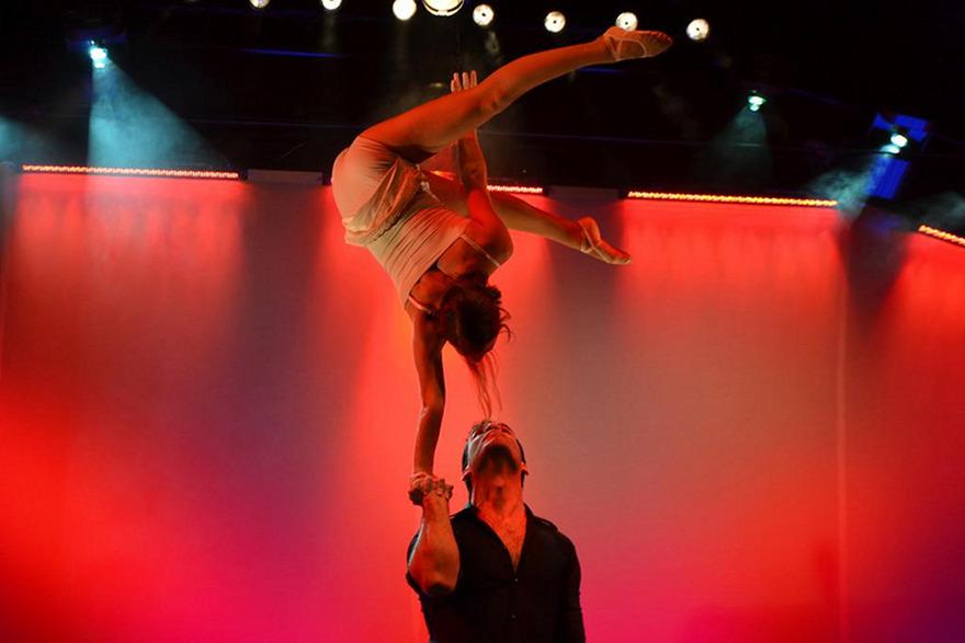 Les équilibristes, parmi les nombreux participants  à la 18ème édition de trapezi © http://trapezi.cat