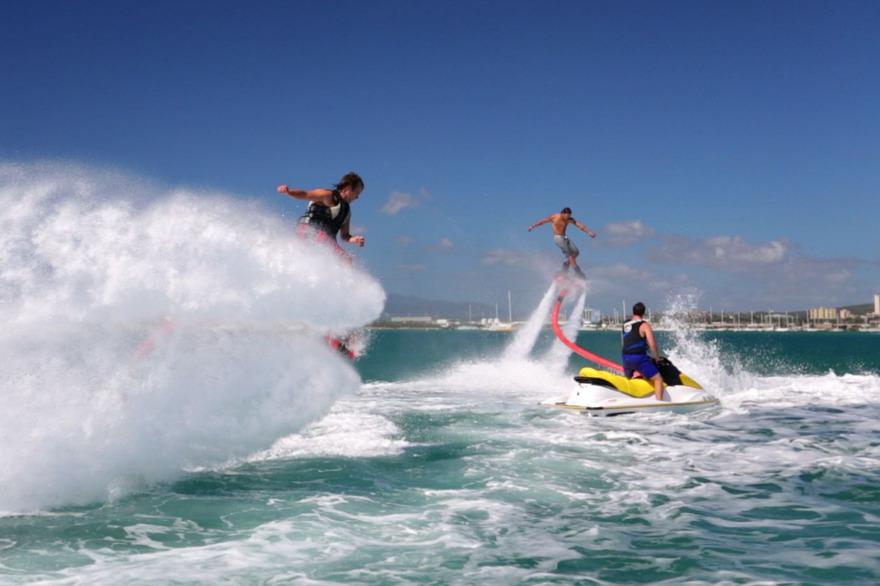Photo de water jetpack ou flyboard - http://fbiws.com