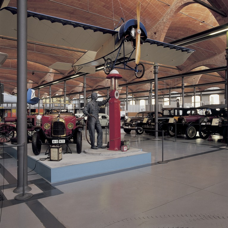 Vintage Car And Light Aircraft In The Science And Technology Museum Of Catalonia (mnactec) (copyright Imagen M.a.s. Act)