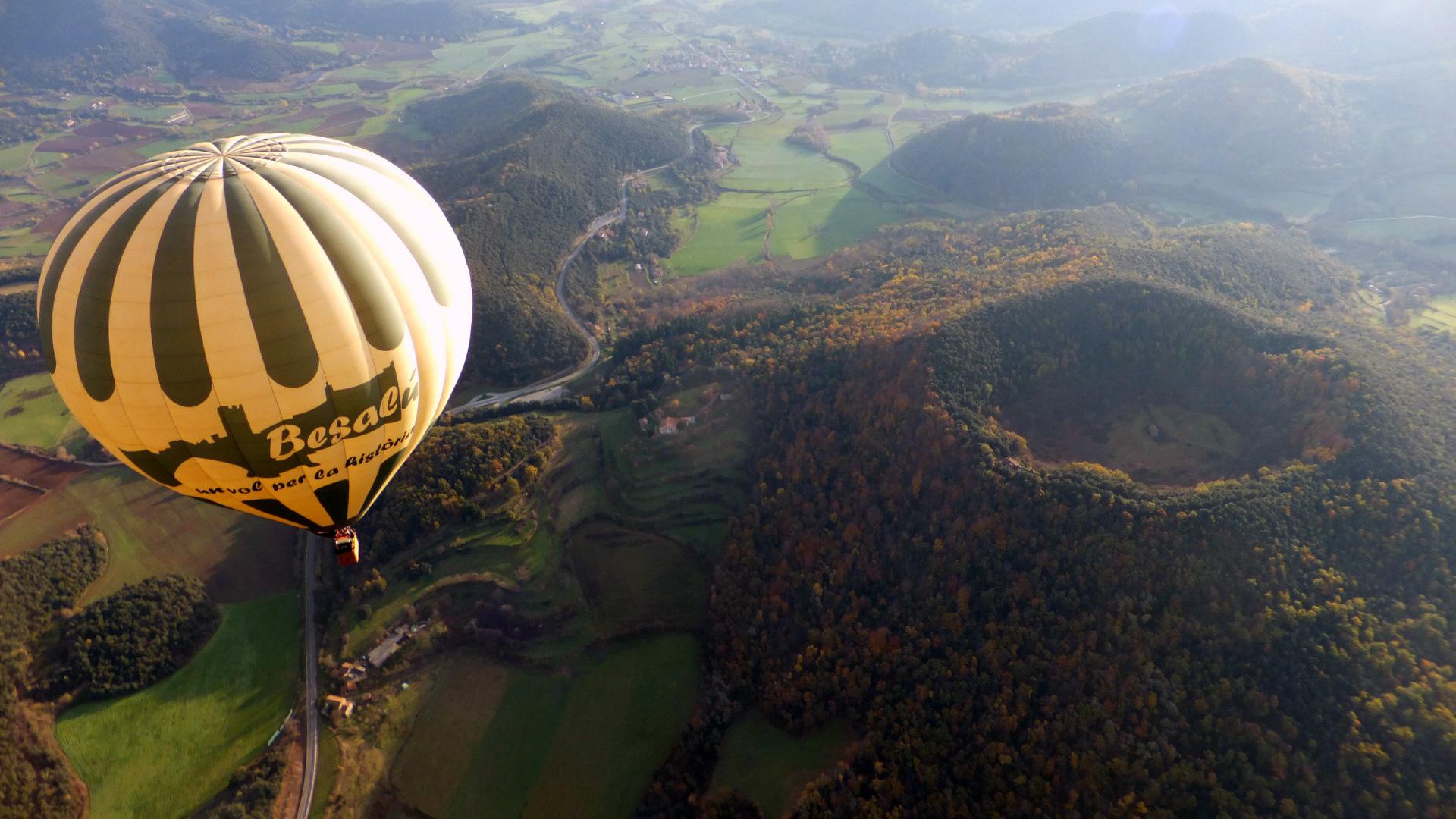 Vol en Montgolfière au-dessus de la Zone Volcanique de la Garrotxa