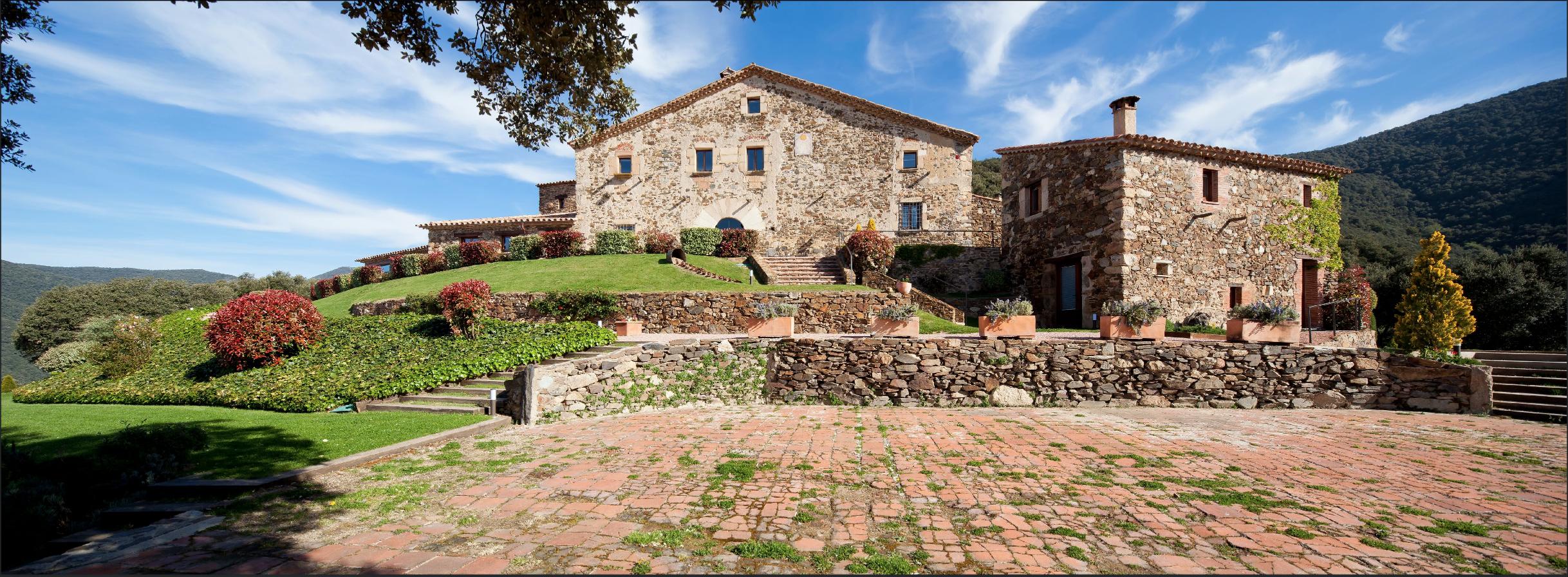 Can Cuch, une ancienne ferme catalane devenue hôtel de charme. © Can Cuch