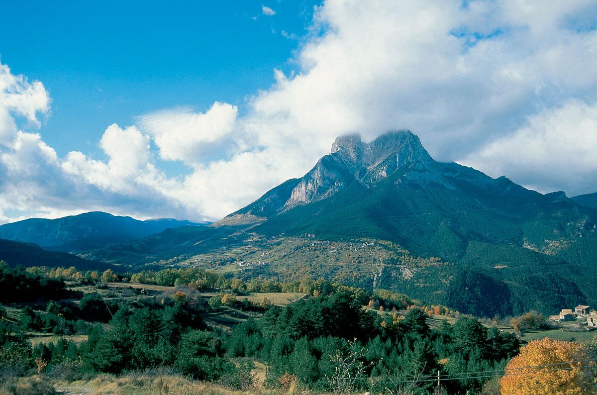 Le Pedraforca, GR150 Parc Natural Cadí-Moixeró © Georama