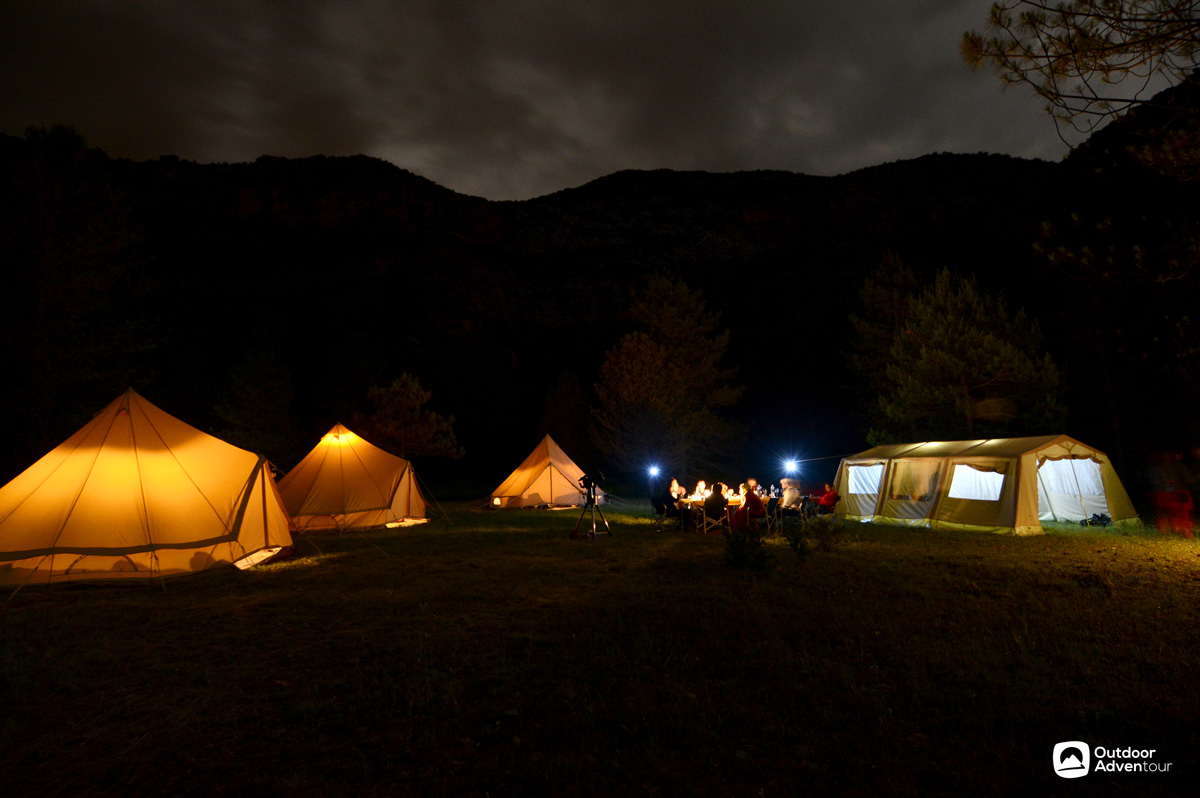 Camping © Outdoor Adventour