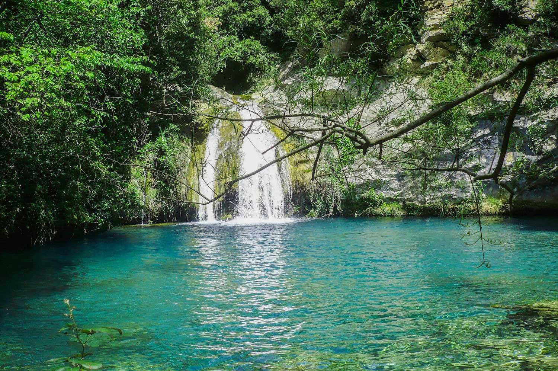 Se rafra chir en plongeant dans les piscines naturelles de for Piscines lleida