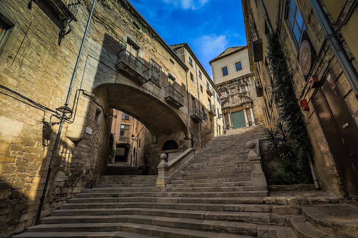 Pujada de Sant Domènec © Patronat de Turisme Costa Brava Girona - J.D. Andrew
