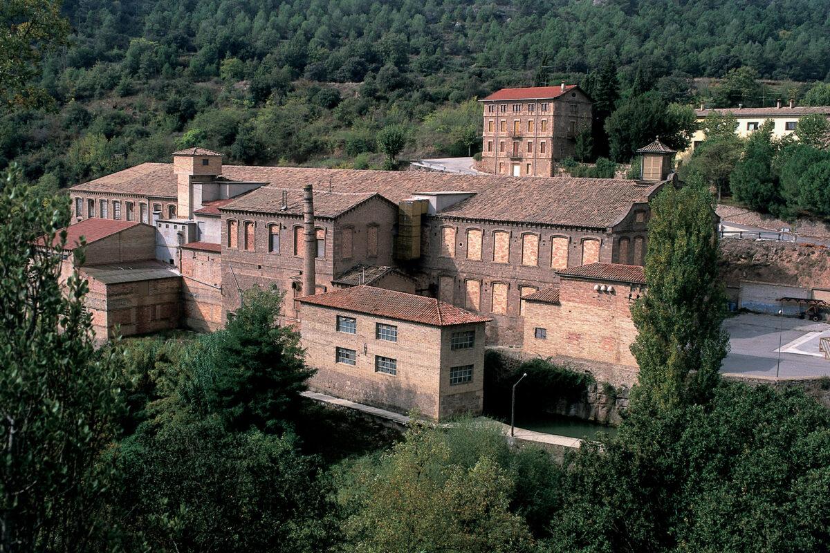 Colònia-tèxtil-de-Cal-Riera---©-Turismo-Verde-S.L.