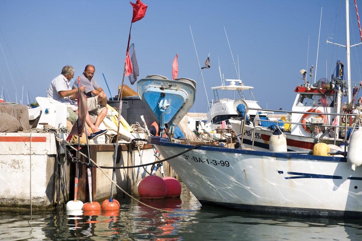Pescadors-al-port-de-Sitges---©-Miguel-Angel-Alvarez
