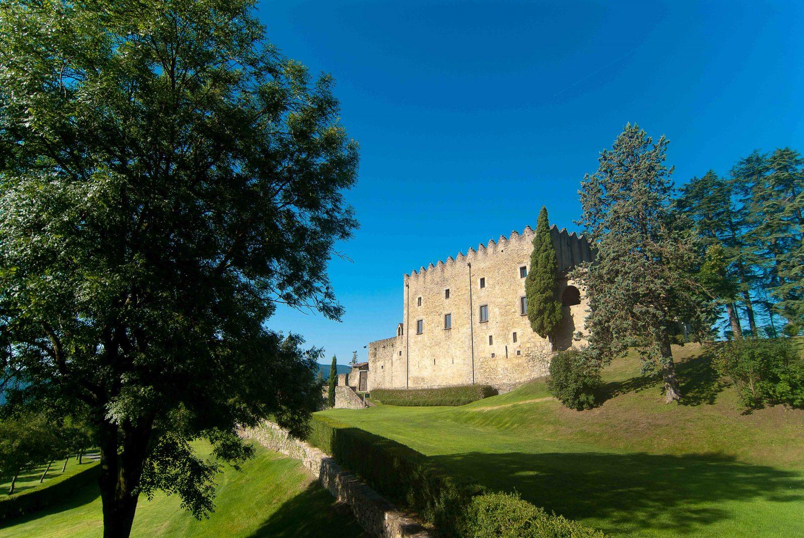 S'émerveiller en explorant les plus spectaculaires châteaux catalans