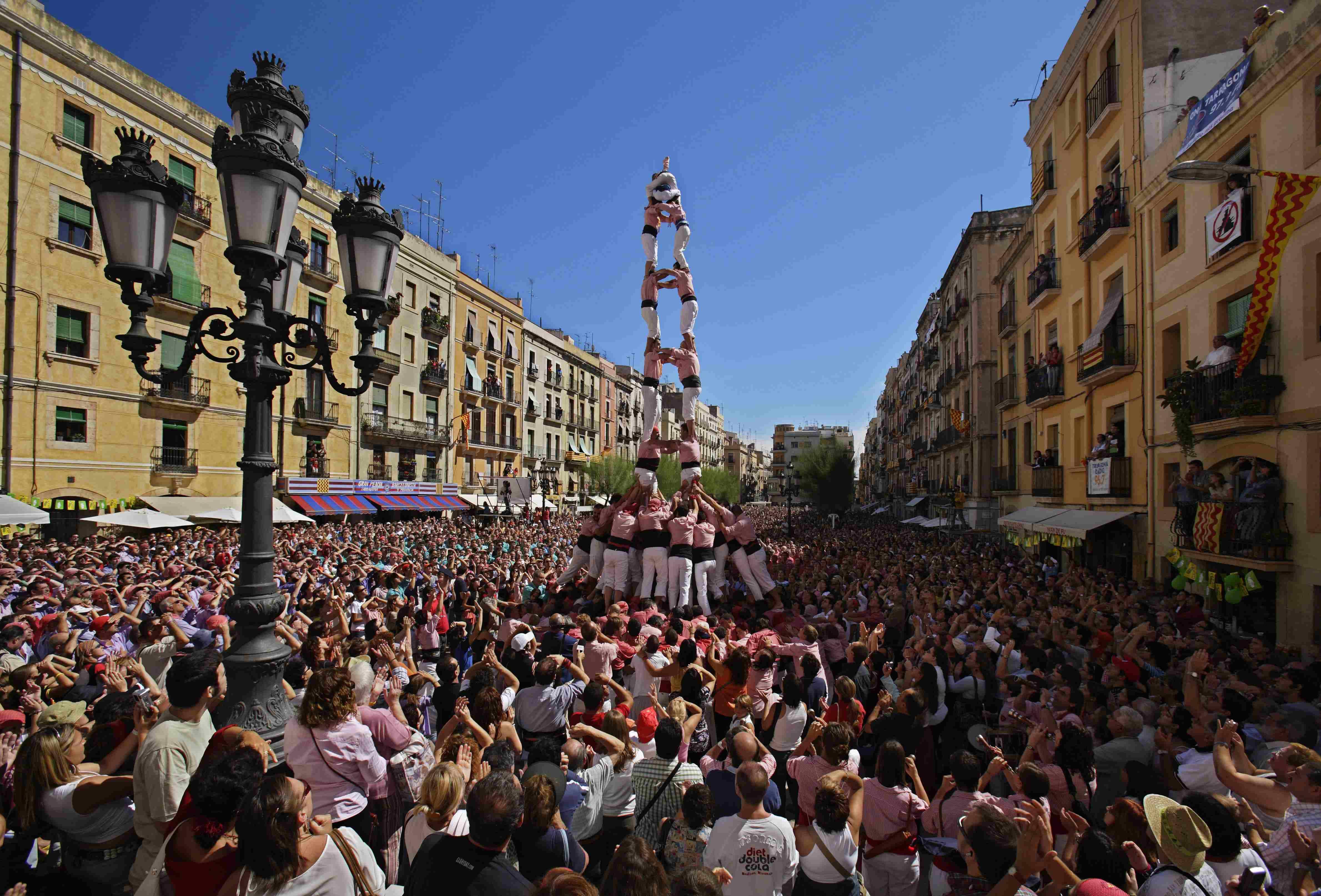 Castellers sur la Placa de la Font - Tarragone